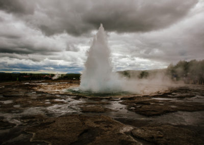 Stokkur geyser erupts roughly evers 4 minutes.